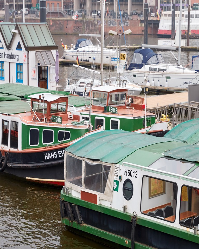 03 MBO Tortue Hamburg Harbour Boats
