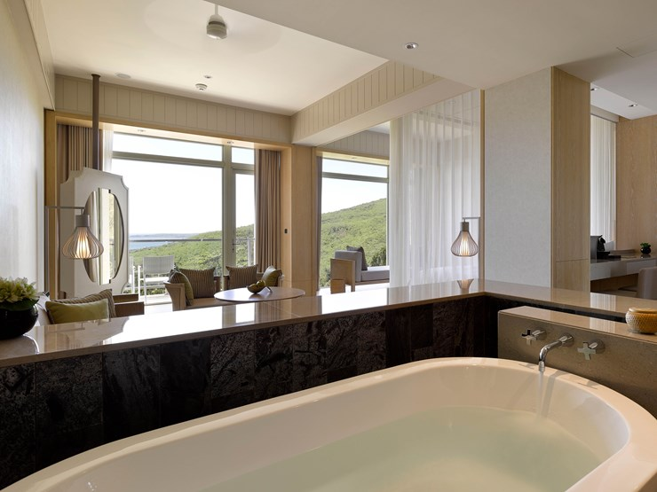 Gloria Manor Bath with a view in Kenting National Park