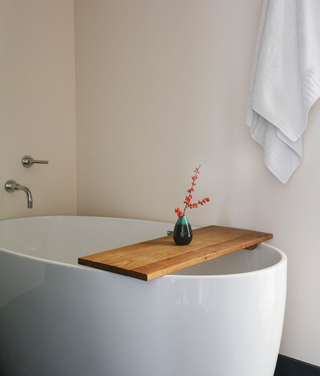 Timber Cove Resort Guestroom Bedroom View Bathtub Detail Interior M 07 R B B