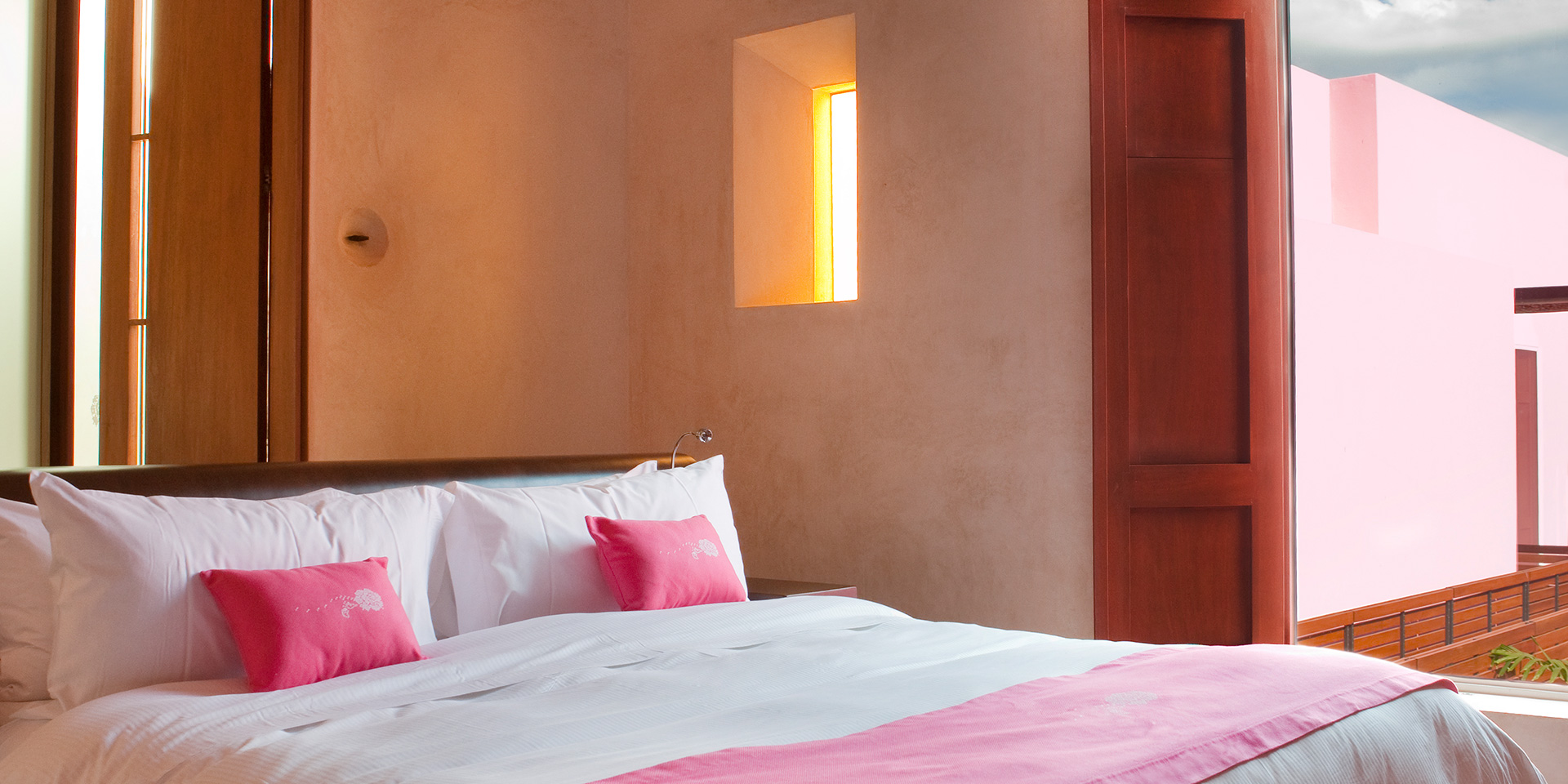 Rosas And Xocolate Rooms (1)