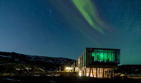 ion-adventure-hotel-architecture-northern-lights-night-view-M-13-r.jpg